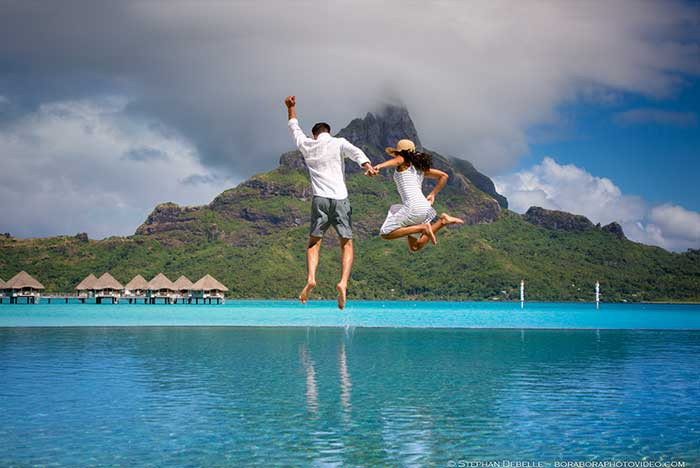 Romantic things to do - couple photo shoot in Bora Bora