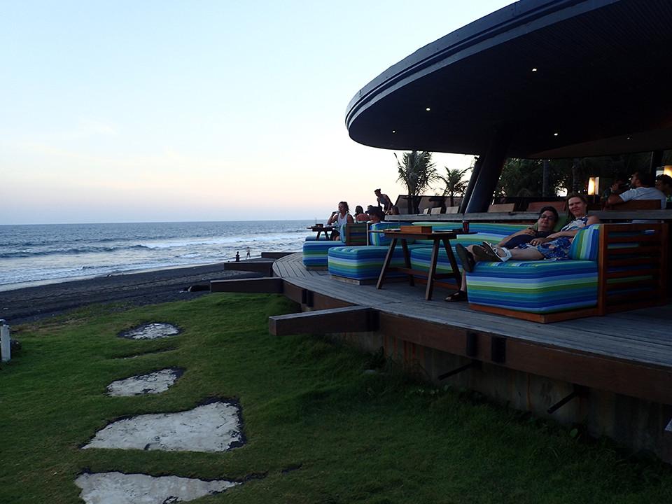 Komune Resort and Beach Club Bar/Restaurant
