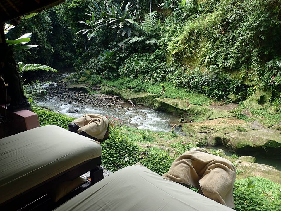 Tjampuhan Spa, Ubud - Massages in the open by the stream
