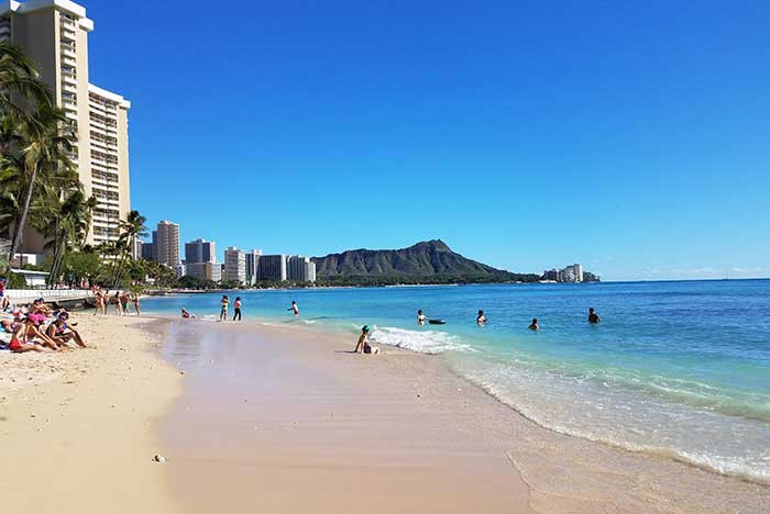 Romantic escape recommendation - Waikiki Beach