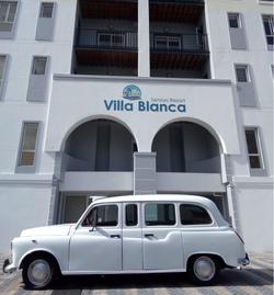 Villa Blanca Vintage Limo