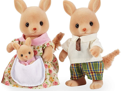 Includes mother Kemely, father Phil and daughter Leyla. Calico Critters families