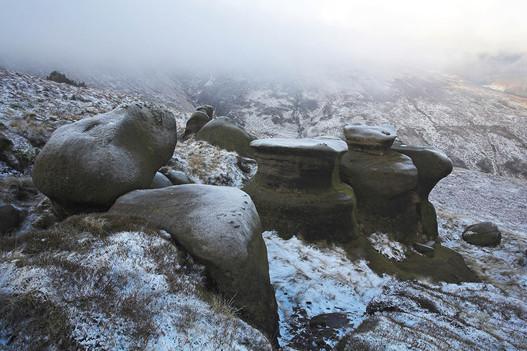 Gritstone eratic boulders on Kinder Scout