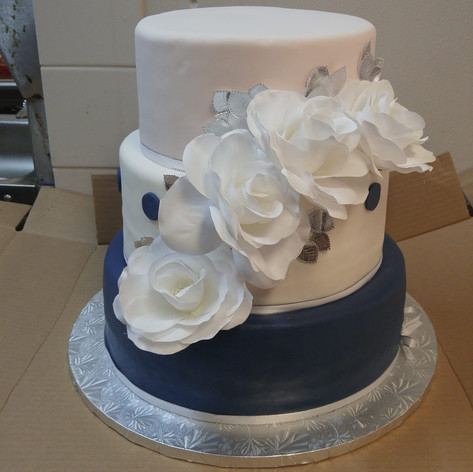 Simple Fondant Cake