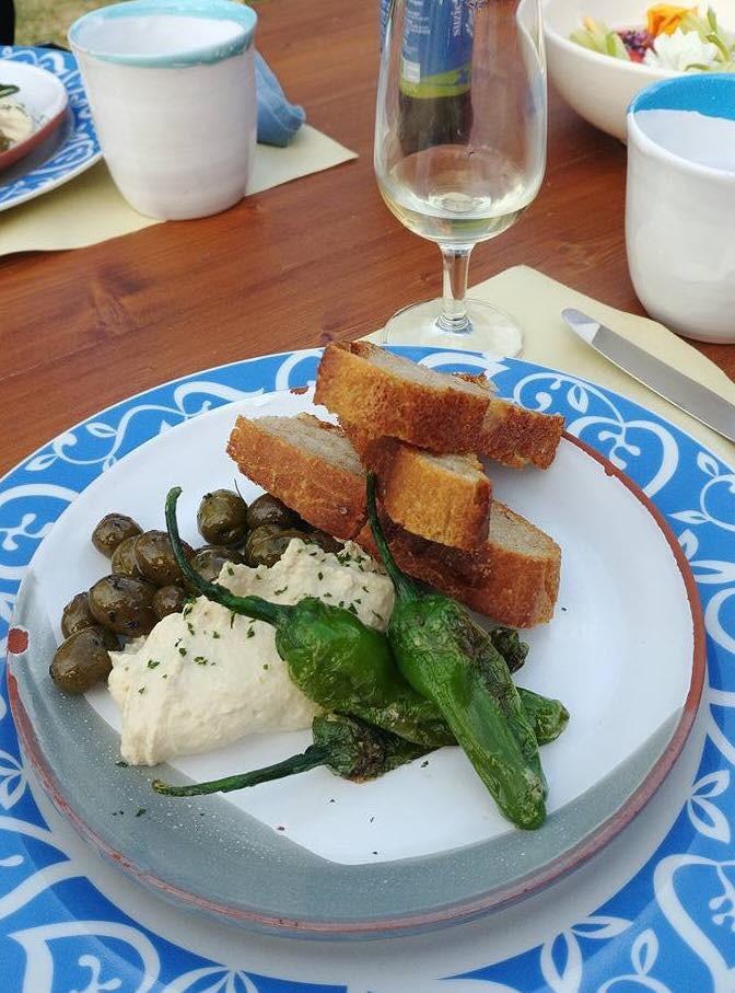 Villa Gioianna Keeping good company and enjoying delicious meals.