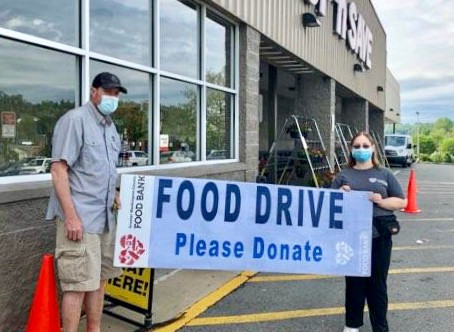 Food Bank Volunteer Shows One CAN Make a Difference