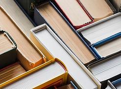 close-up-assorted-books_23-2147846042_ed