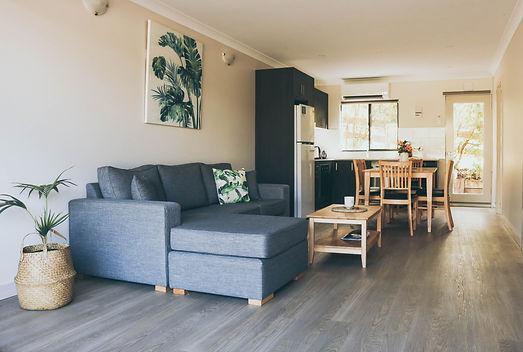 Spacious & Modern Interior ☕️