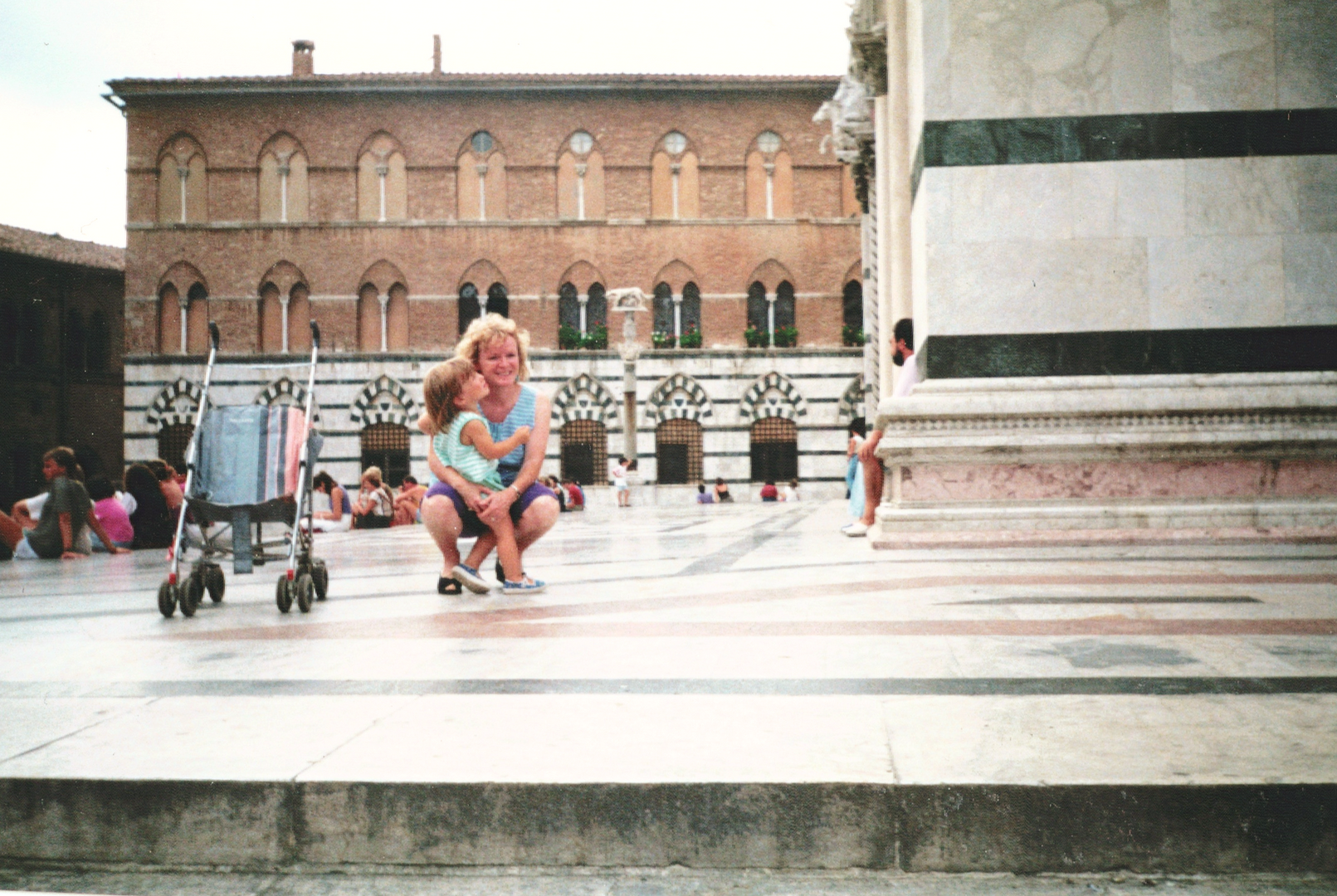I'm Zoë! Italy was my first love. By the time I could walk, I was gazing up at Italian art