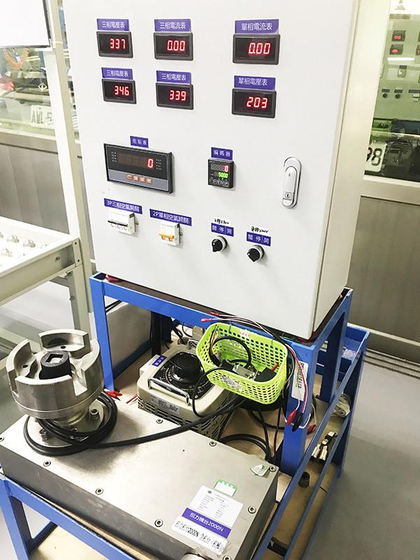 扭力測試機台2000N.m.jpg
