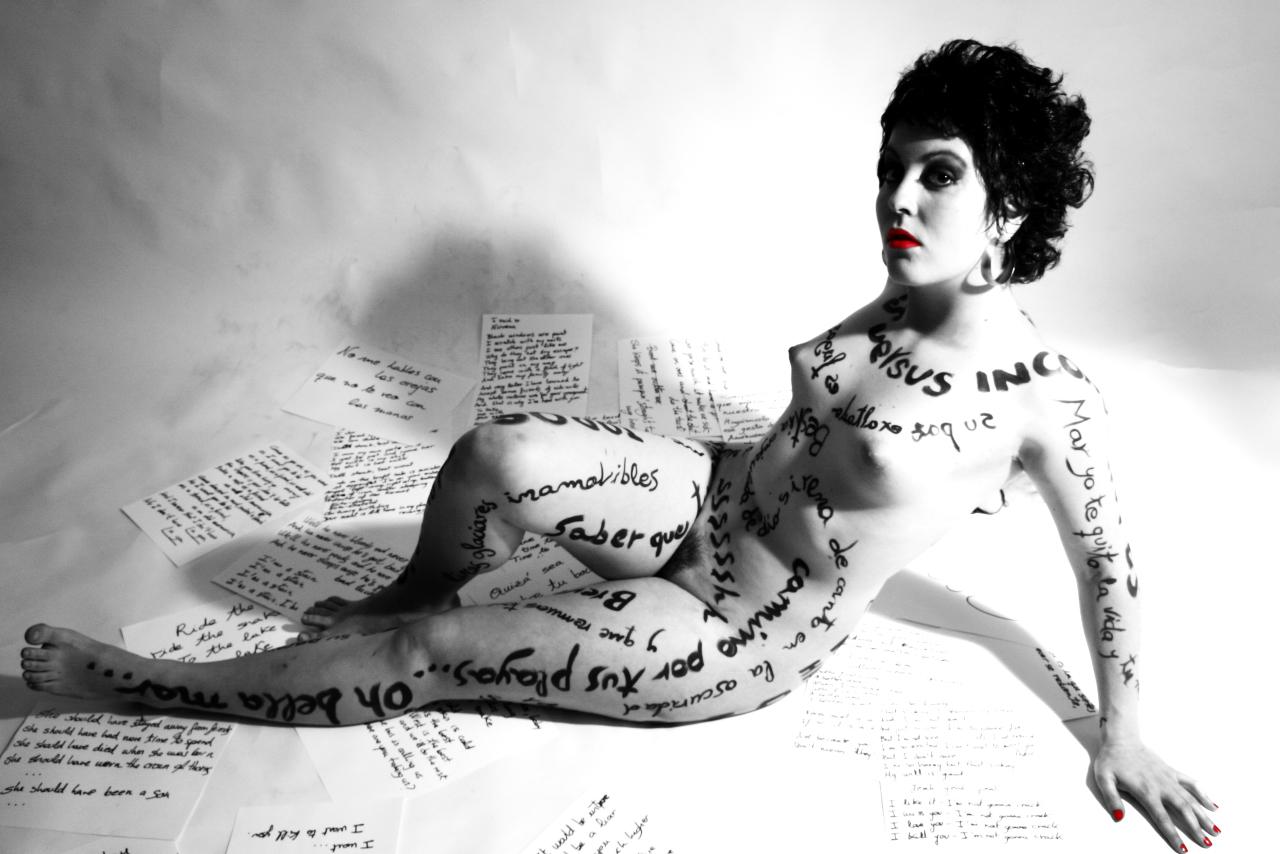 Poesía al desnudo