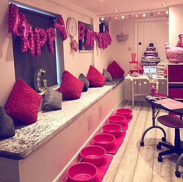 pamper party room 2.jpg