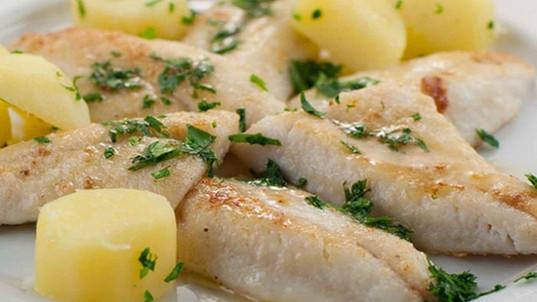 Filets-de-perche-meunière-aux-pommes-vap