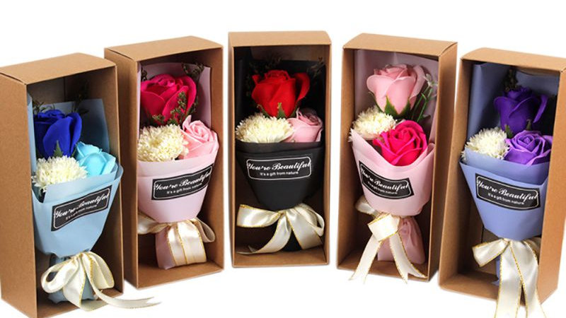 3Pcs Set Artificial Flowers Scented Rose Carnation Gift Box Bath Body Soap