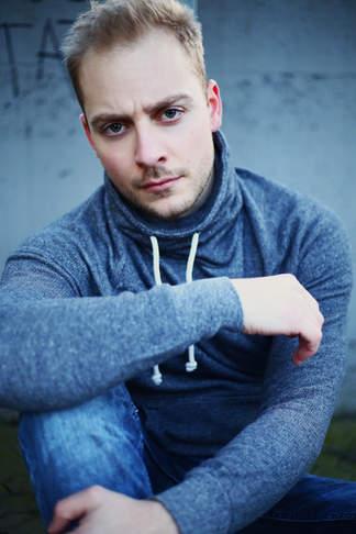 Tobias Berroth // Sänger, Schauspieler