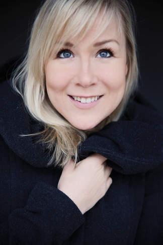 Jana Stelley // Sängerin, Schauspielerin, Tänzerin