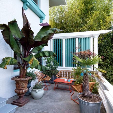 porch+sitting+area.jpg