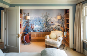 Master bedroom sitting alcove