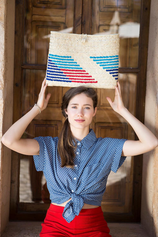 www.anticmallorca.com Pict: Luna Pérez Visairas. Model: Julia Geithner