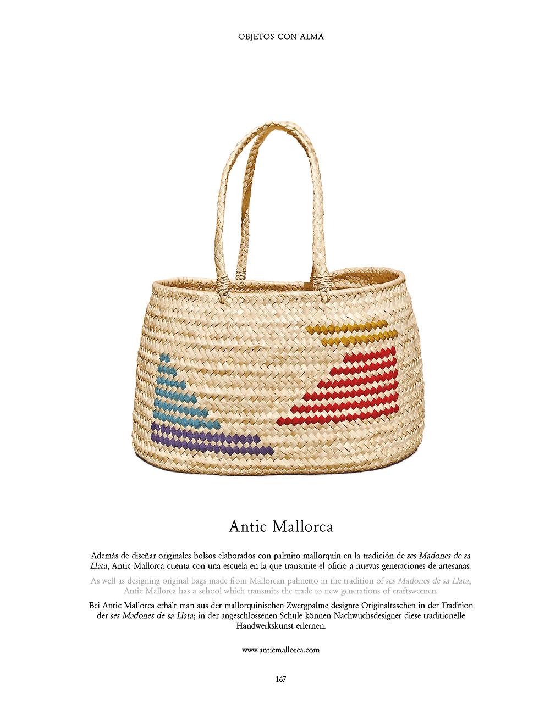 El número de abril de la revista IN PALMA dedica una página a la cesta de llata bordada de Antic Mallorca llamada, Bolso Mediterráneo