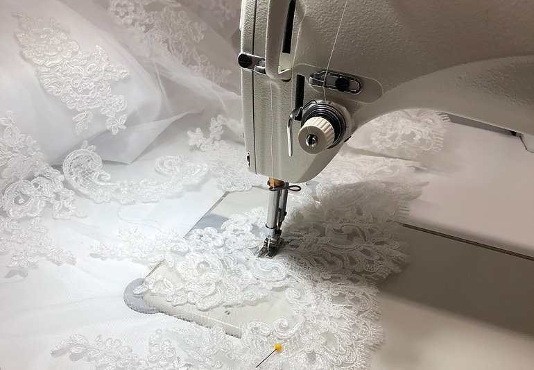 Sewing lace hem