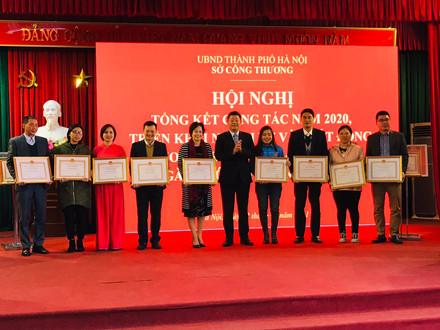 HNEW nhận bằng khen của UBND TP Hà Nội