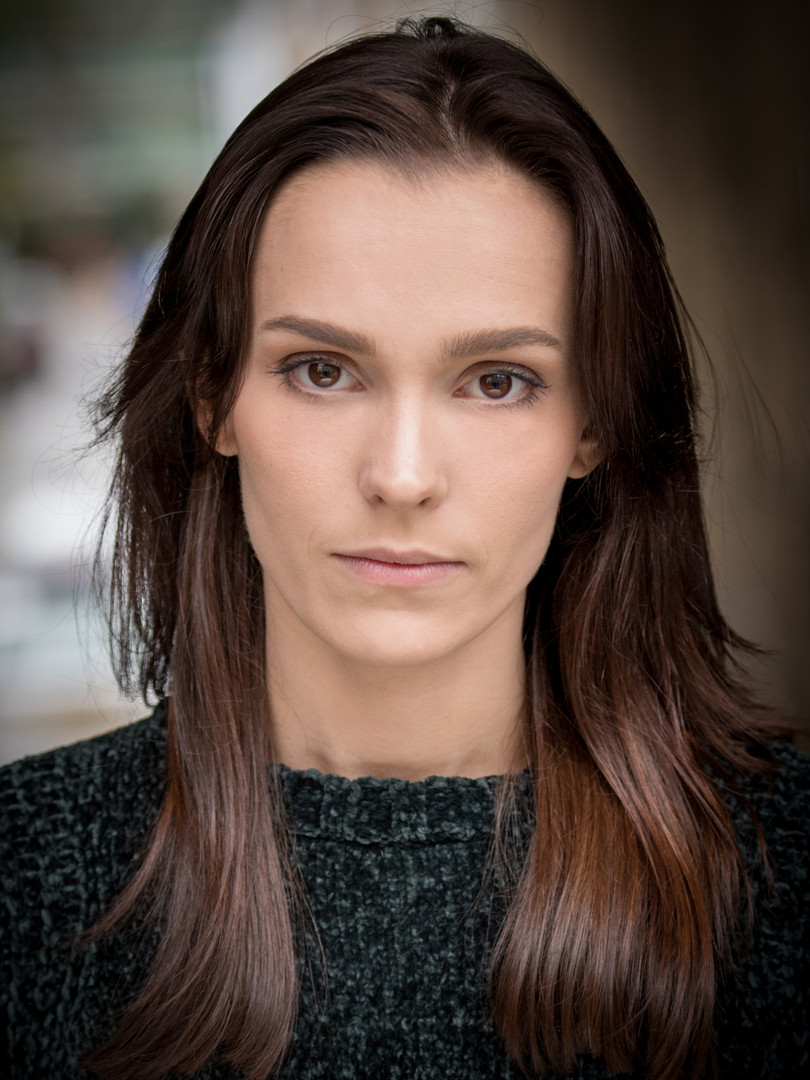 Celia Learmonth Headshot 2019_20.jpg