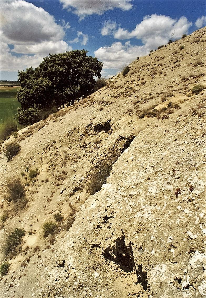 Escombrera de las minas de lapis specularis de 'Los Hornos'