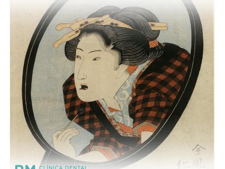 Ohaguro, la tradición japonesa de pintarse los dientes de negro