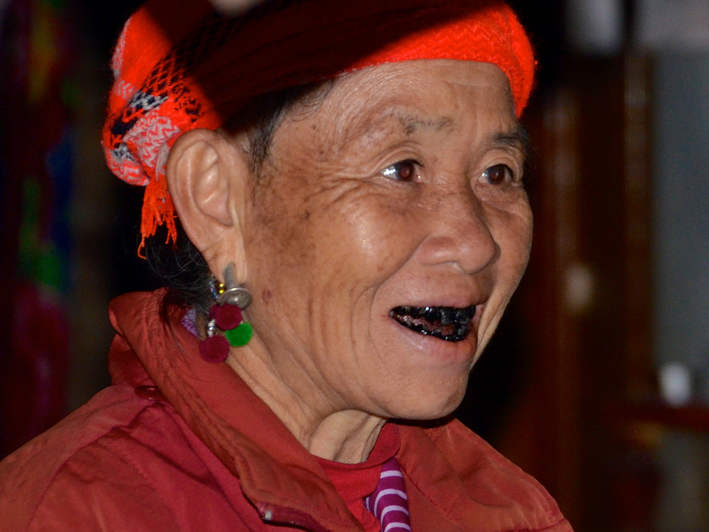 Ohaguro, dientes negros
