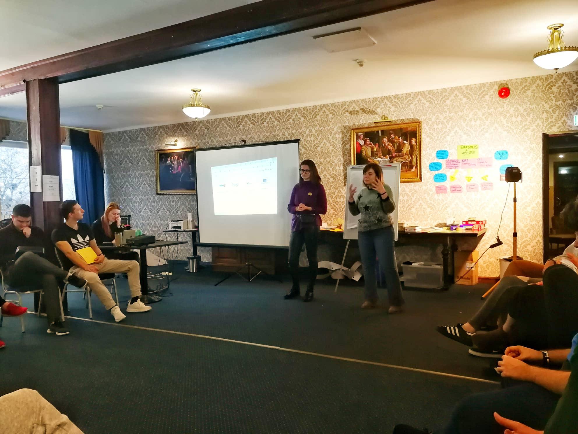 Reevol presentation to the comunity.jpg