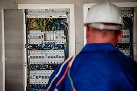 electrician-2755682_1280.jpg