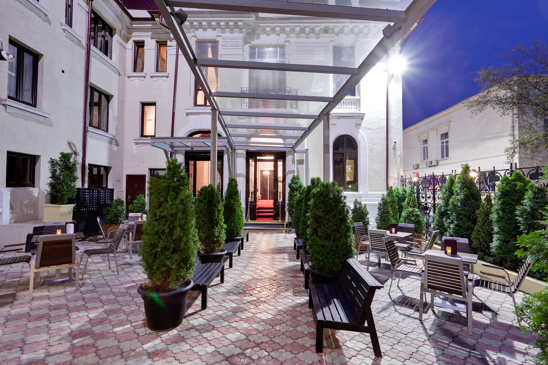 Hotel Moxa Terrace Entrance
