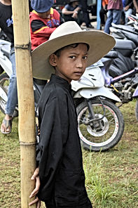 Article : INDONESIA PEOPLE /POPULATION (LSI City Tours Jakarta)