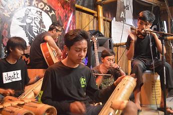 LSI JAKARTA TOURS   Excursion to villages of West Java (2D/1N).