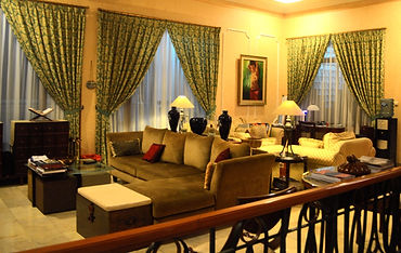 LSI JAKARTA DAY TOURS   Stay at our  gorgeous Jakarta Guesthouse.