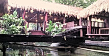 LSI JAKARTA SIGHTSEEING TOURS offers lunch at Dapur Kuring Restaurant!