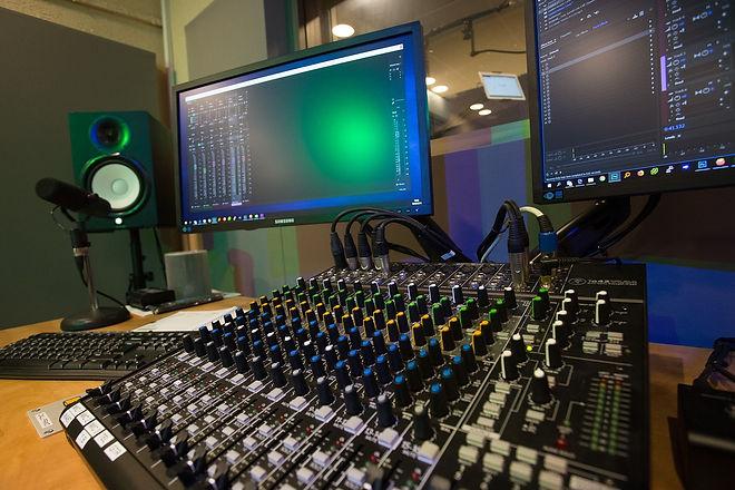 studio-4004852_1280.jpg