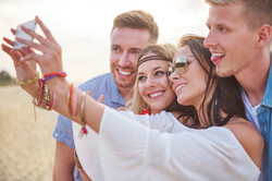 storyblocks-selfie-taken-on-the-beach_BvvHyJY5f