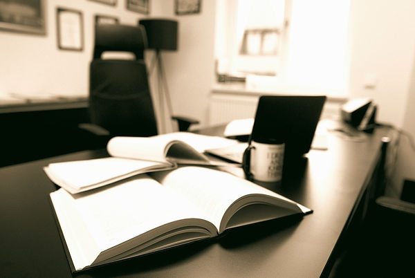 law-firm-4924547_1280_edited.jpg