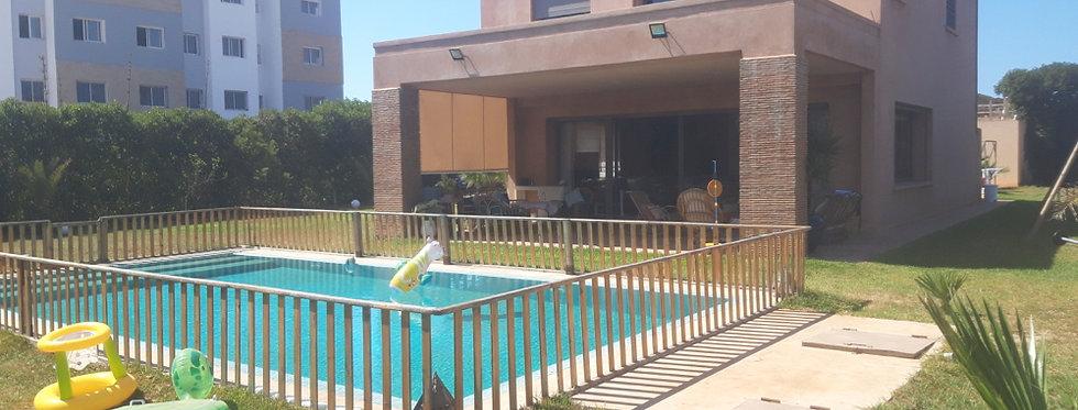 ROUTE D'AZEMMOUR - UNIQUE Villa style 'marrakchi modernisé', jardin 2000m2