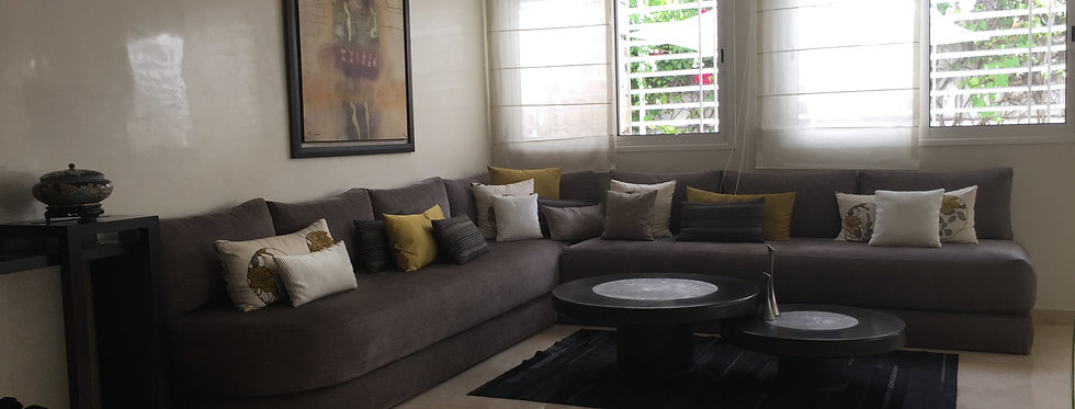 CIL Lovely 4 bedroom villa in expat neighborhood, walking distance to shops