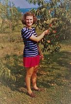 Doris Mack Deen on the farm 1945.jpg