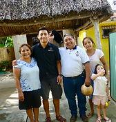 foto au coeur du village maya.jpg