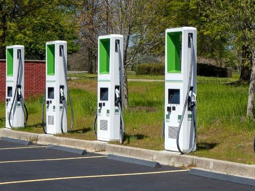 Benefícios da Energia Solar para quem tem carros elétricos