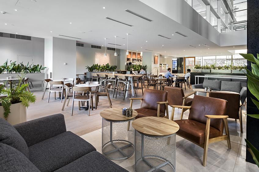 Louve Cafe