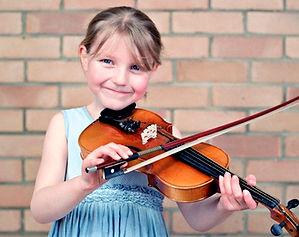 Girl-playing-violin-011.jpg