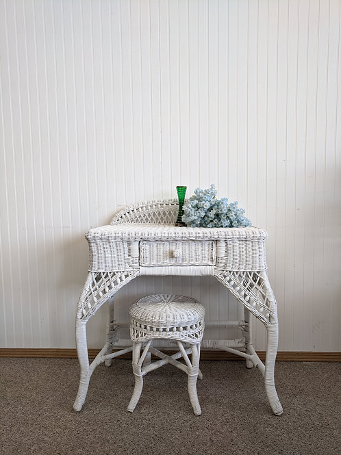 White Wicker Vanity w| Stool