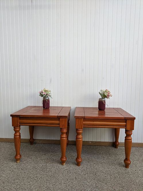 Set of 2 Pine End Tables