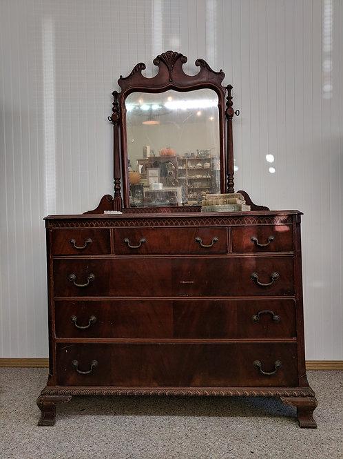 Antique 6 Drawer Dresser w| Mirror